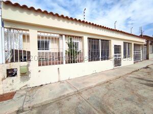 Casa En Ventaen Margarita, Porlamar, Venezuela, VE RAH: 22-3519