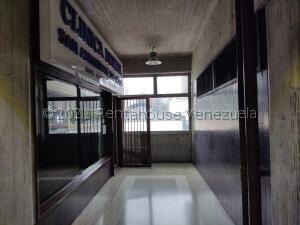 Consultorio Medico  En Ventaen San Antonio De Los Altos, Los Salias, Venezuela, VE RAH: 22-3515