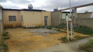 Casa En Ventaen Barquisimeto, Parroquia Tamaca, Venezuela, VE RAH: 22-3526