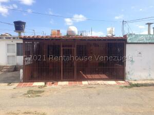 Casa En Alquileren Cabudare, La Puerta, Venezuela, VE RAH: 22-3530