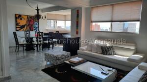 Apartamento En Ventaen Maracaibo, 5 De Julio, Venezuela, VE RAH: 22-3548