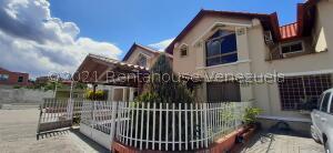 Townhouse En Ventaen La Victoria, Morichal, Venezuela, VE RAH: 22-3556