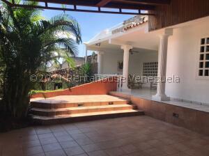 Casa En Ventaen Valencia, El Parral, Venezuela, VE RAH: 22-3619