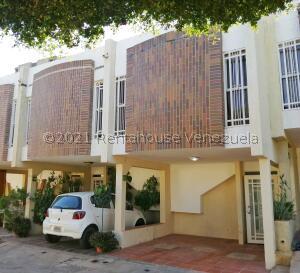 Townhouse En Ventaen Maracaibo, La Limpia, Venezuela, VE RAH: 22-3696