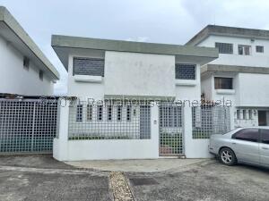 Casa En Ventaen Caracas, Colinas De La California, Venezuela, VE RAH: 22-3613