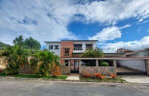 Casa En Ventaen Valencia, Las Chimeneas, Venezuela, VE RAH: 22-3692