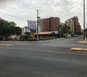 Terreno En Ventaen Maracaibo, Avenida Bella Vista, Venezuela, VE RAH: 22-3678