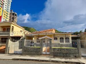 Casa En Ventaen Valencia, Las Chimeneas, Venezuela, VE RAH: 22-4066