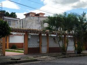 Casa En Alquileren Maracay, San Jacinto, Venezuela, VE RAH: 22-3721