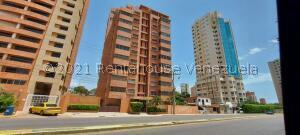 Apartamento En Ventaen Maracaibo, Avenida El Milagro, Venezuela, VE RAH: 22-3749