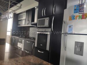 Apartamento En Ventaen Los Teques, El Solar De La Quinta, Venezuela, VE RAH: 22-3770