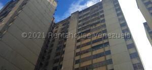 Apartamento En Ventaen San Antonio De Los Altos, La Rosaleda, Venezuela, VE RAH: 22-3801
