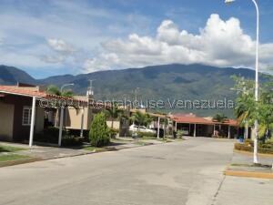 Casa En Ventaen Guatire, Canaima Uno, Venezuela, VE RAH: 22-3882