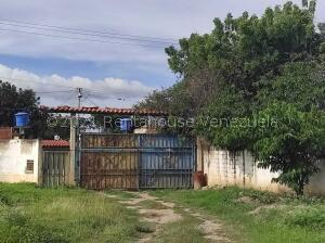 Terreno En Ventaen Cabudare, Parroquia Cabudare, Venezuela, VE RAH: 22-3932