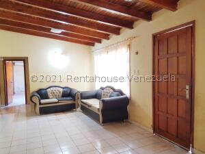 Casa En Ventaen Coro, Parcelamiento Santa Ana, Venezuela, VE RAH: 22-4156