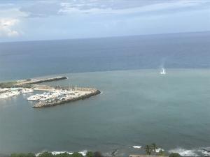 Apartamento En Ventaen Catia La Mar, Playa Grande, Venezuela, VE RAH: 22-3952