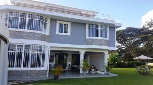 Casa En Ventaen Caracas, Lomas De La Lagunita, Venezuela, VE RAH: 22-3964