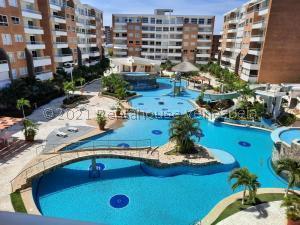Apartamento En Ventaen Higuerote, Agua Sal, Venezuela, VE RAH: 22-3959