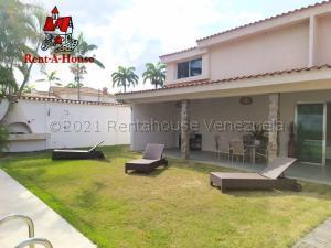 Casa En Ventaen Valencia, Guataparo Country Club, Venezuela, VE RAH: 22-3990