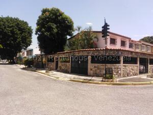 Casa En Ventaen Valencia, Trigal Norte, Venezuela, VE RAH: 22-3972
