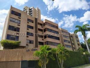 Apartamento En Ventaen Valencia, Valles De Camoruco, Venezuela, VE RAH: 22-4017