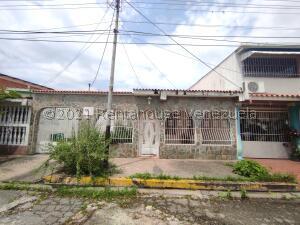 Casa En Ventaen Turmero, San Joaquin De Turmero, Venezuela, VE RAH: 22-4032