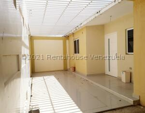 Casa En Ventaen La Vela De Coro, Intercomunal Coro La Vela, Venezuela, VE RAH: 22-4054