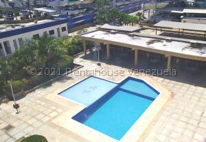 Apartamento En Ventaen Tucacas, Tucacas, Venezuela, VE RAH: 22-4075