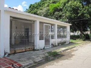 Casa En Ventaen Palo Negro, Conjunto Residencial Palo Negro, Venezuela, VE RAH: 22-4076