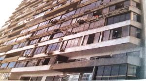 Apartamento En Ventaen Catia La Mar, Playa Grande, Venezuela, VE RAH: 22-4106