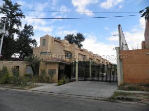Townhouse En Ventaen Valencia, Trigal Norte, Venezuela, VE RAH: 22-4129