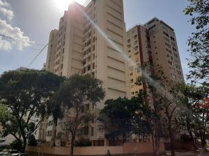Apartamento En Ventaen Valencia, Las Chimeneas, Venezuela, VE RAH: 22-4137