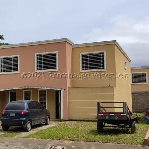 Casa En Ventaen Guatire, Estancia Las Margaritas, Venezuela, VE RAH: 22-4144