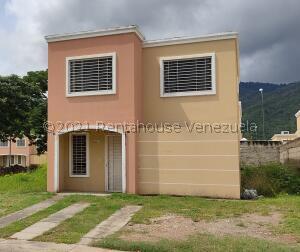 Casa En Ventaen Guatire, Estancia Las Margaritas, Venezuela, VE RAH: 22-4100