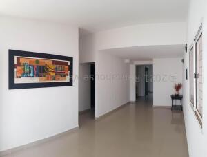 Casa En Ventaen Coro, Intercomunal Coro La Vela, Venezuela, VE RAH: 22-4173