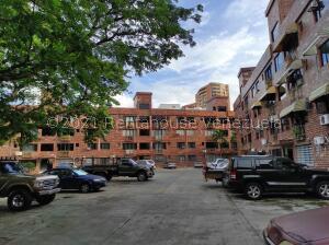 Apartamento En Ventaen Valencia, Agua Blanca, Venezuela, VE RAH: 22-4223