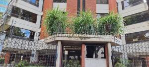 Apartamento En Ventaen Caracas, La Castellana, Venezuela, VE RAH: 22-1750