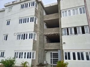 Apartamento En Ventaen Cabudare, La Piedad Sur, Venezuela, VE RAH: 22-4317