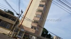 Apartamento En Ventaen Maracaibo, La Lago, Venezuela, VE RAH: 22-4235