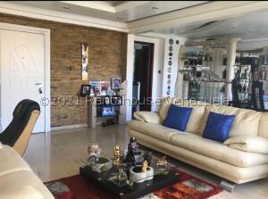 Apartamento En Ventaen Caracas, El Paraiso, Venezuela, VE RAH: 22-4241
