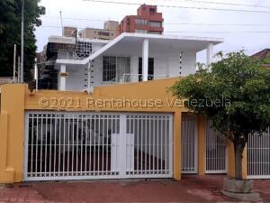 Apartamento En Ventaen Maracaibo, Paraiso, Venezuela, VE RAH: 22-4258