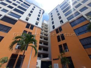 Apartamento En Ventaen Maracay, Bosque Alto, Venezuela, VE RAH: 22-4546