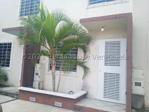 Casa En Alquileren Barquisimeto, Terrazas De La Ensenada, Venezuela, VE RAH: 22-4279
