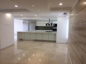 Apartamento En Ventaen Caracas, Lomas Del Sol, Venezuela, VE RAH: 22-4290