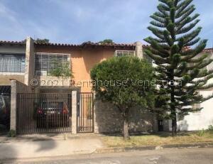 Casa En Ventaen Valencia, Las Clavellinas, Venezuela, VE RAH: 22-4174