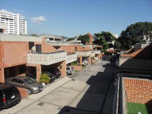 Townhouse En Ventaen Valencia, Valles De Camoruco, Venezuela, VE RAH: 22-4328