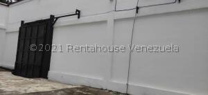 Galpon - Deposito En Ventaen Caracas, Parroquia Santa Rosalia, Venezuela, VE RAH: 22-4353
