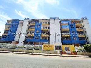 Apartamento En Ventaen Maracay, San Miguel, Venezuela, VE RAH: 22-4385