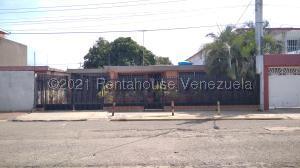 Casa En Ventaen Maracaibo, La Rotaria, Venezuela, VE RAH: 22-4411