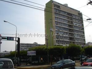 Local Comercial En Ventaen Maracaibo, Avenida Bella Vista, Venezuela, VE RAH: 22-4452